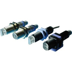 S51-PR-5-C10-PK fotoandur, 10-30DC, M18 plastkorpus, objektilt peegelduv, LED, radial, 1...10cm, PNP, NO/NC, M12 pistik
